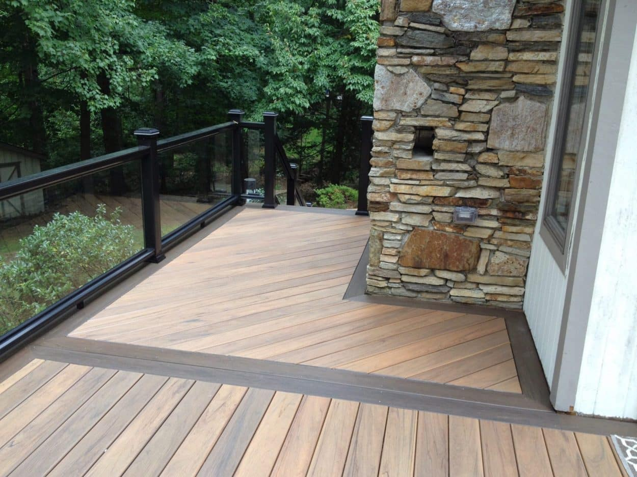 3 Reasons To Add A Deck To Your Home