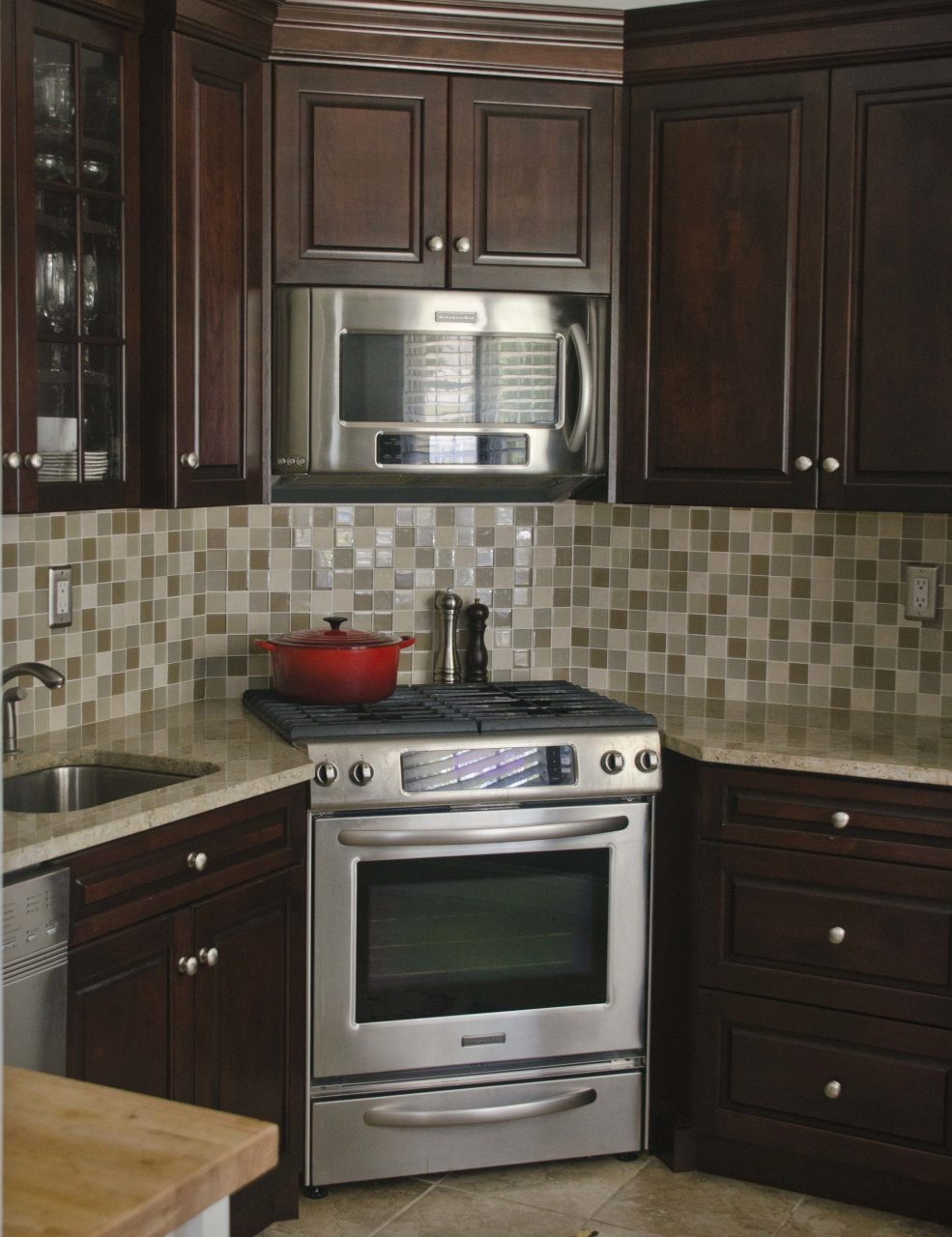 Nj kitchen remodeling corner stove trade mark design for Small kitchen designs pictures and samples