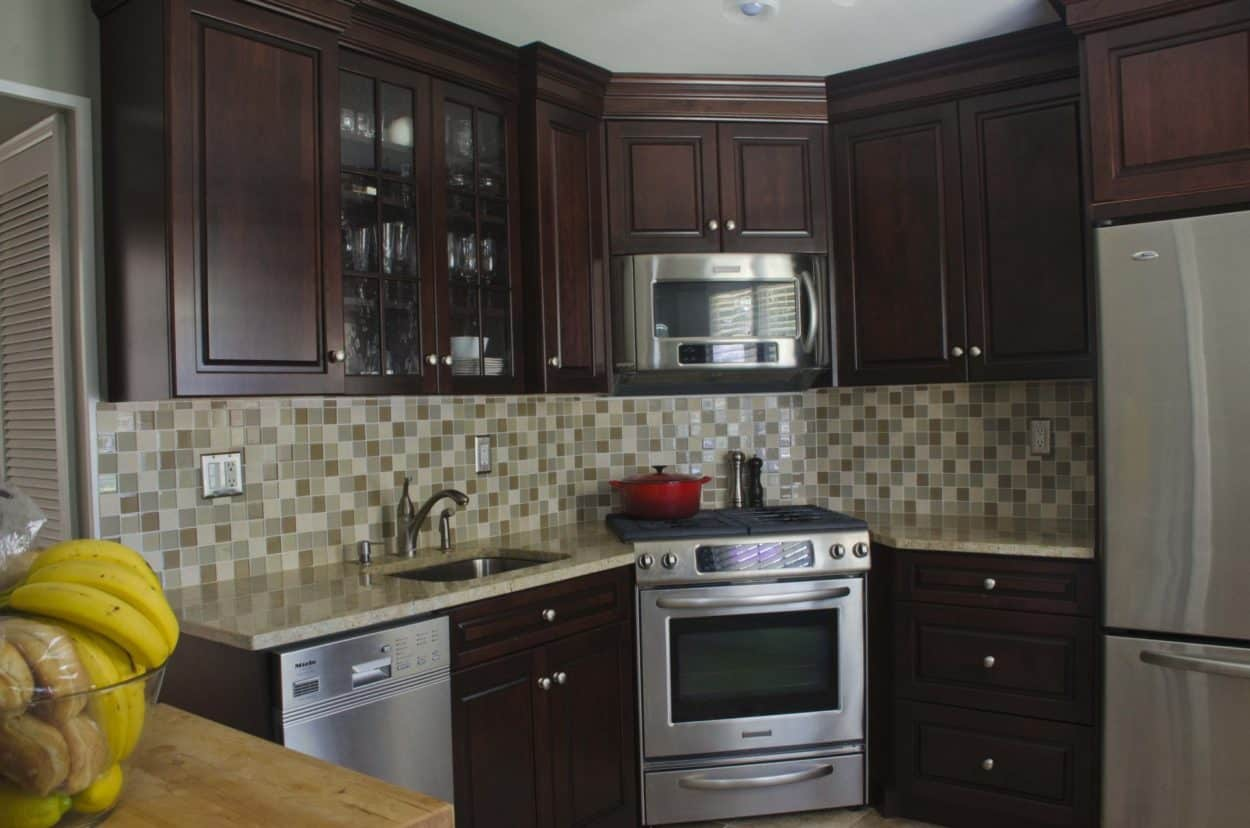 NJ Kitchen Remodeling | Corner Stove | Trade Mark Design