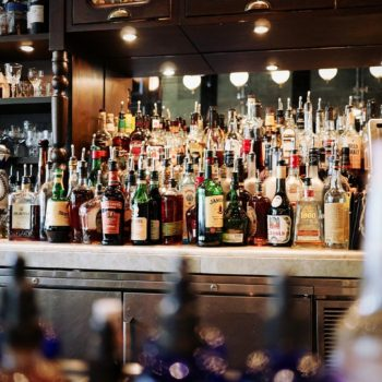 Wet bar vs dry bar: Full review and comparison of Home Bars